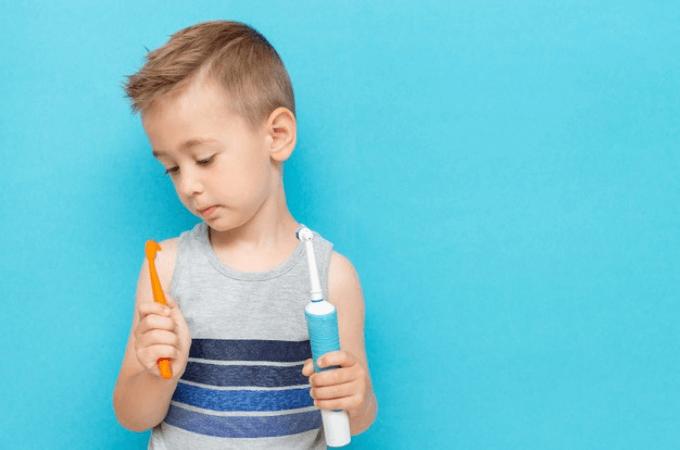 子ども用電動歯ブラシはいつから使っても大丈夫?