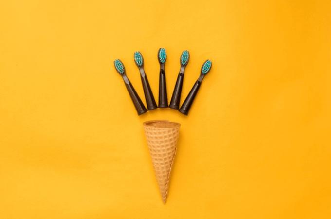 【電動歯ブラシの替えブラシ高いよね?】純正と互換品の違い