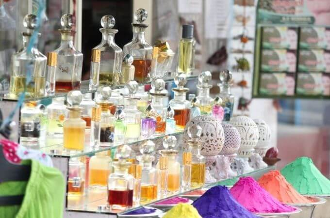 【香水少量ずつたくさん試したい】香水専門店で選ぶ